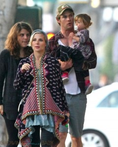 Chris Hemsworth & Elsa Pataky with daughter India