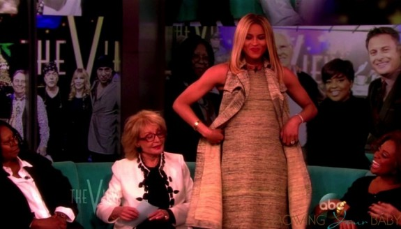 Ciara Shows off Her growing belly on The View