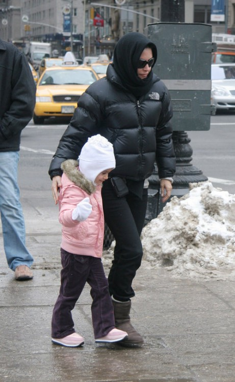 Courtney Cox takes her Daughter Coco to Central Park