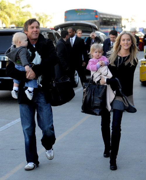 Dennis and kimberly quaid at lax with their twins