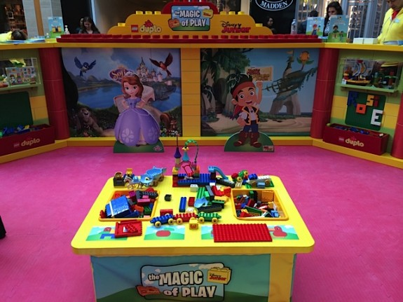 Disney Junior and DUPLO Magic of Play Tour booth