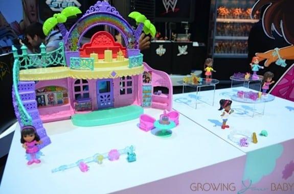 Dora & Friends Cafe