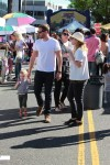 Drew Barrymore and Will Kopelman at the farmer's market with daughter Olive