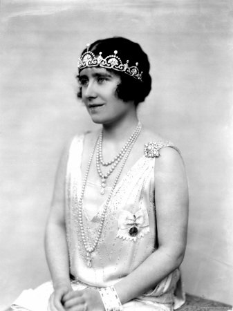 Duchess of York, wearing the Lotus Flower Tiara in 1927