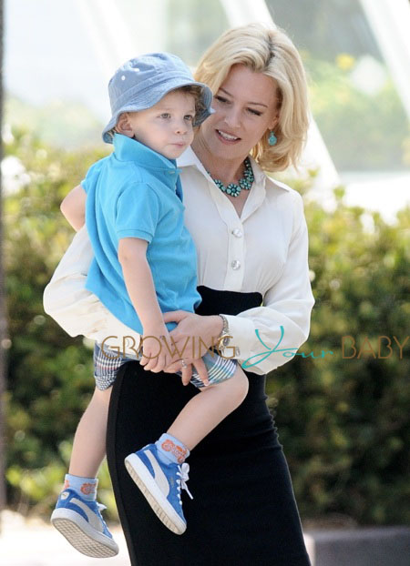 Elizabeth Banks Family Elizabeth Banks on The Set of
