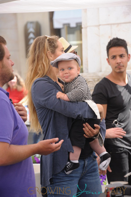 Elizabeth Berkely Seen At The Grove With Her New Baby Boy