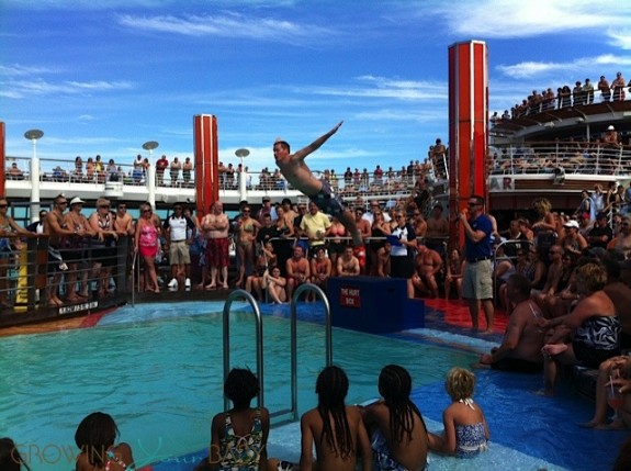 Freedom of the Seas - bellyflop contest