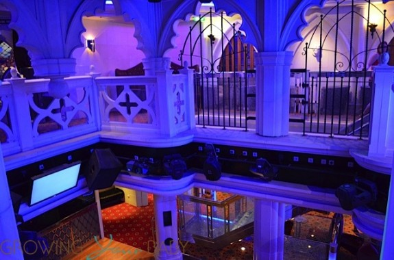 Freedom of the Seas - crypt bar