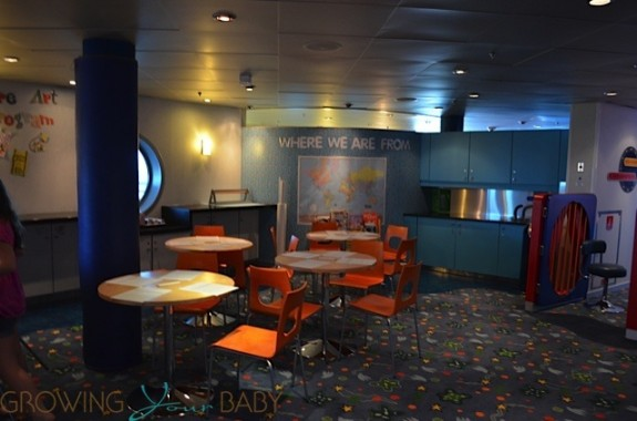 Freedom of the Seas - explorers art area