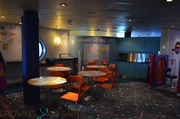 Freedom of the Seas - explorers art area