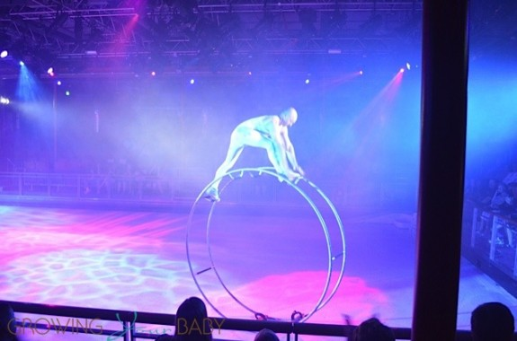 Freedom of the Seas - freedom ice show