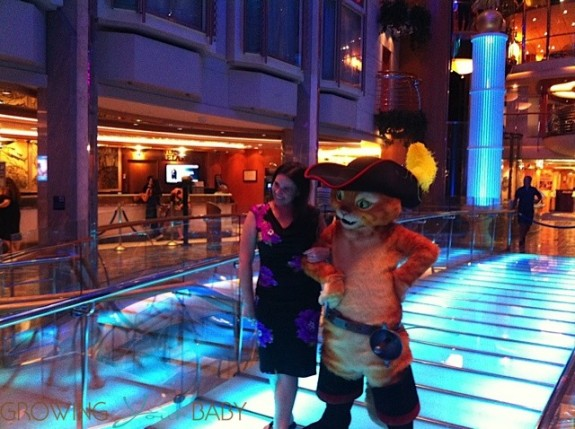 Freedom of the Seas - posing with Puss in Boots