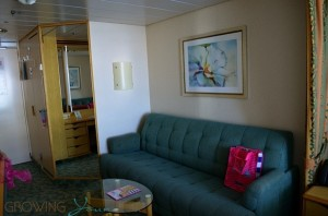 Freedom of the Seas - standard balcony cabin pull out couch
