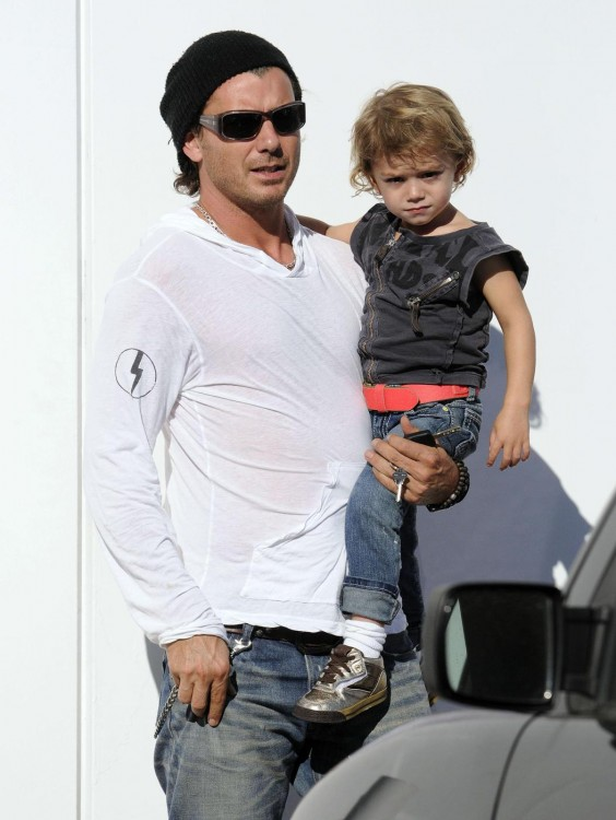 Gwen Stefani and Gavin Rossdale take their kids to Fred Segal for lunch