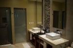 Generations Riviera Maya - oceanfront suite bathroom