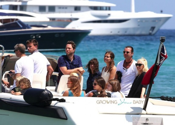 Gwen Stefani and Gavin Rossdale with their children at club 55 St. Tropez