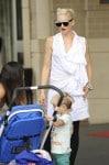 Gwen Stefani strolls with Kingston and Zuma in Washington