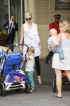 Gwen Stefani strolls with Kingston and Zuma in Washington