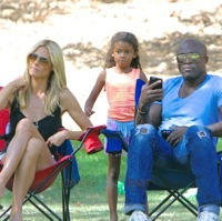 Heidi Klum and Seal Hang Out At The Soccer Field!