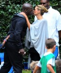 Heidi Klum kisses Seal at the soccer field