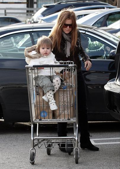 Isla Fisher and daughter Olive shop at Whole Foods in West Hollywood