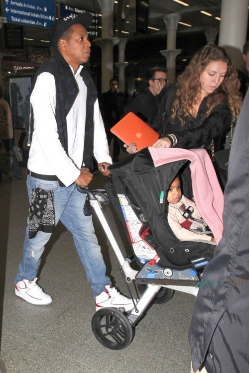 Jay Z and Beyonce arrive in London with their daughter Blue
