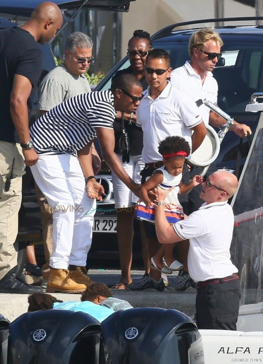 Jay-z with daughter Blue Ivy on vacation  in France