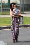 Jenna Dewan Steps Out with daughter Everly Tatum