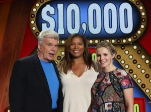 Jon Davidson, Queen Latifah and Kristen Bell play 10,000 pyramid
