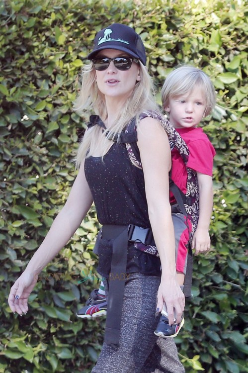 Kate Hudson works off Thanksgiving dinner by taking youngest son Bing for a hike in Pacific Palisades