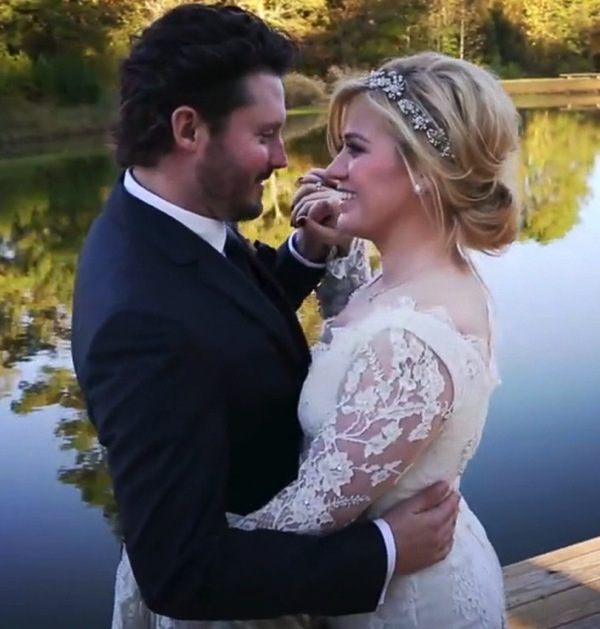 Kelly Clarkson and Brandon Blackstock wedding