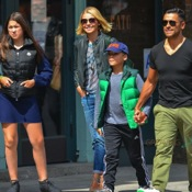 Kelly Ripa Enjoys Brunch With Her Family
