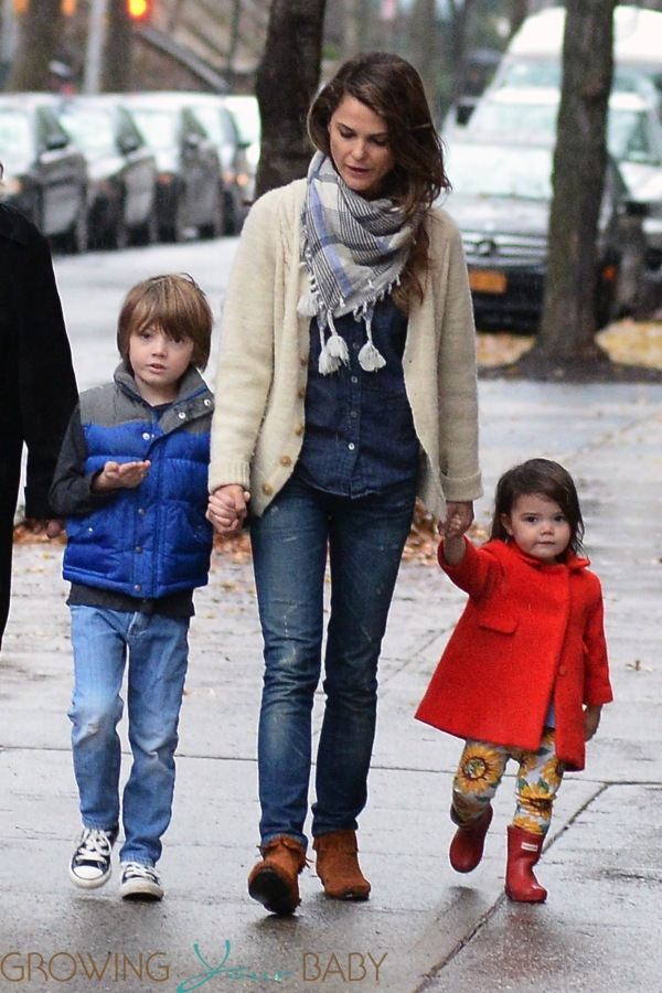 Keri Russell Does The School Run With Daughter Willa Amp Son
