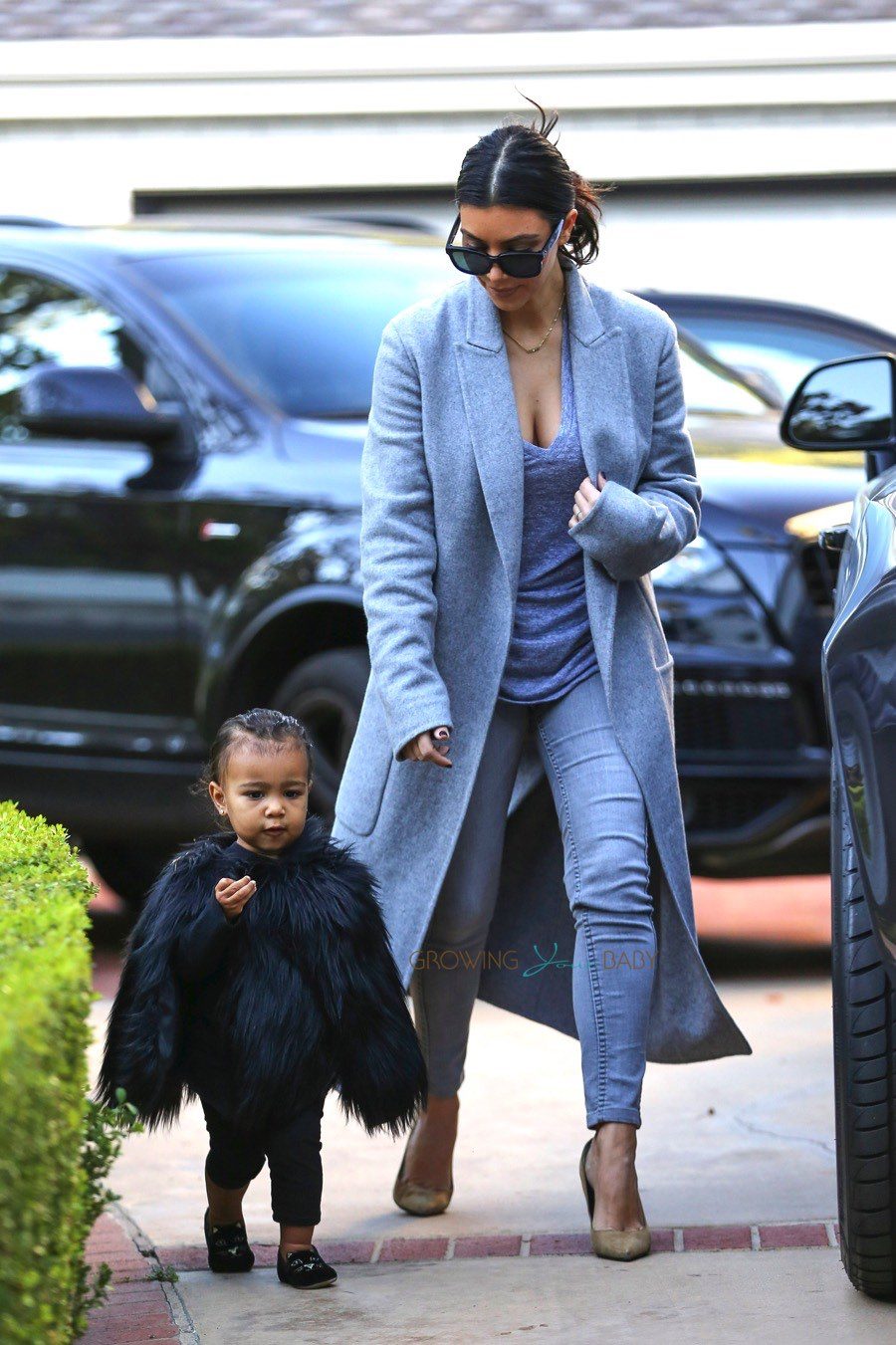 Kim and North West Arrive At A Play Date in LA North West May 2014