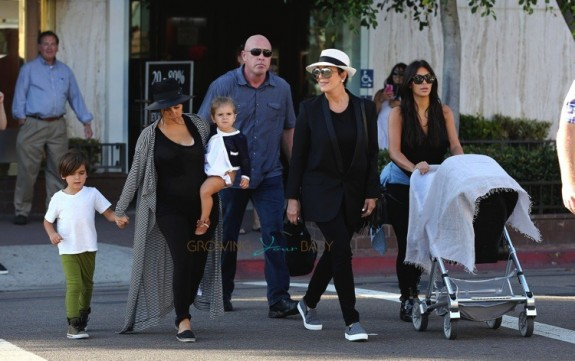 Kim and Kourtney kardashian in San Diego with their kids North West, Penelope and Mason Disick
