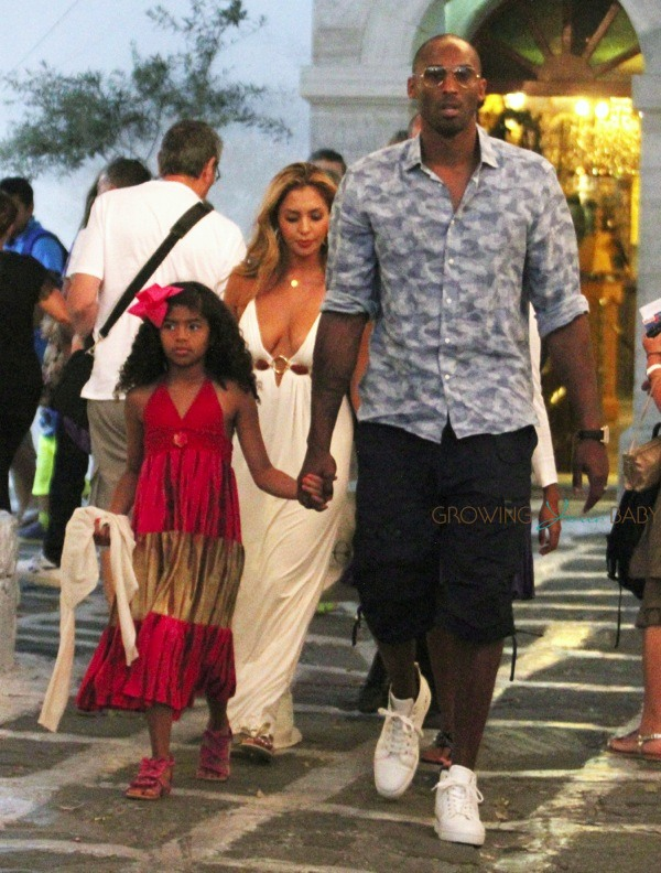 1a858a03a682 Kobe Bryant and wife Vanessa stroll through Greece with daughters Natalia  and Gianna