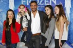Kyle Richards, Mauricio Umansky and daughters Alexia, Sophia and Portia attend the Disney's 'Frozen' Los Angeles premiere