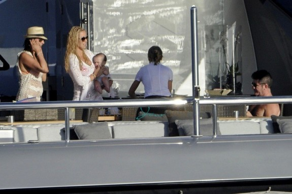 Lauren Silverman and Simon Cowell with son Eric in Sardina