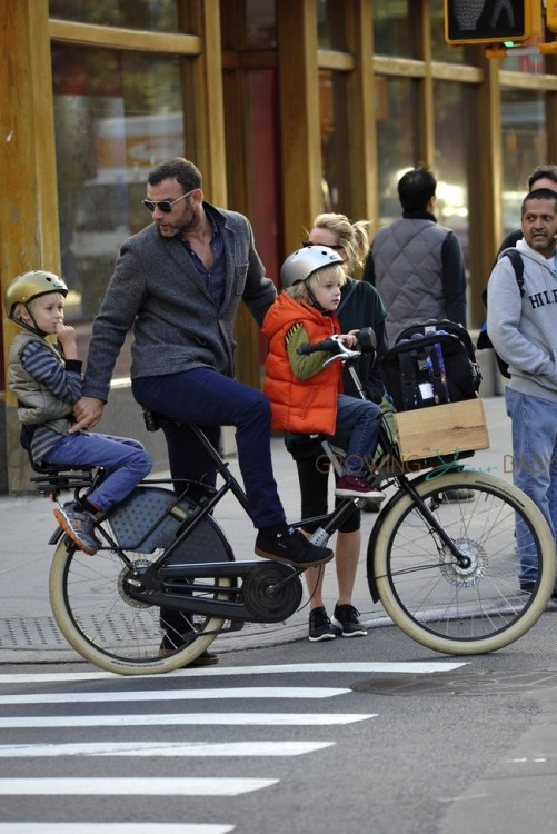 Liev Schreiber with sons Sasha and Sammy biking in NYC