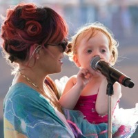 Lily Allen Shares The Stage With Her Little Lady!