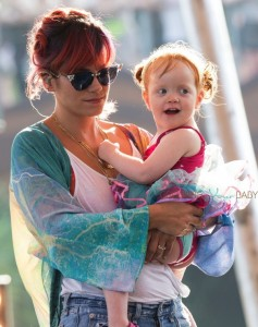 Lily Allen's daughter Ethel joins her as she rehearses for Latitude Festival