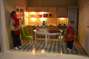 Lundby smaland  - mom and son kitchen