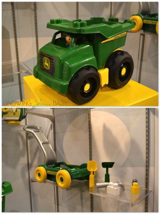 MEGA Bloks Dump Truck and Garden Cart