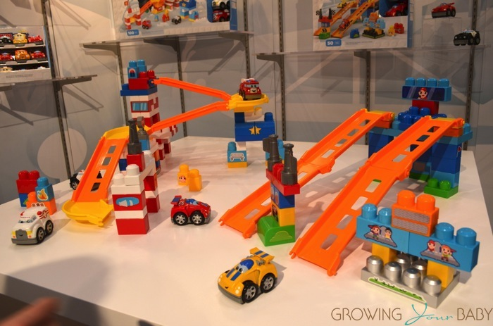 Mega bloks first builders fast tracks racing team rescue for Builders first