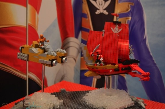 MEGA Bloks Super Megaforce Sky Ship Showdown