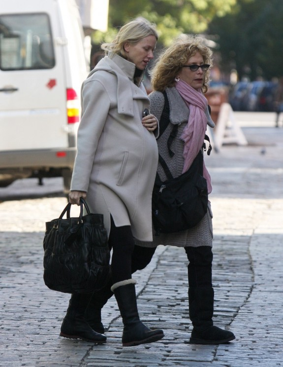 Naomi Watts Pregnant