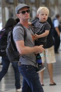 **EXCLUSIVE** Neil Patrick Harris and David Burtka seen with their kids Gideon Scott and Harper Grace departing LAX