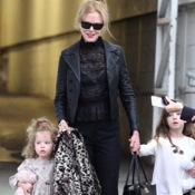 Nicole Kidman Arrives Is Sydney With Her Girls!
