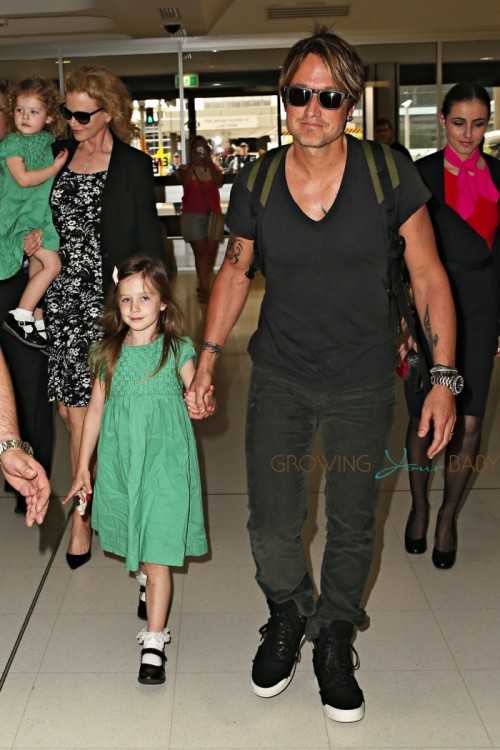 Nicole Kidman  and Keith Urban with their daughters Faith & Sunday at Sydney airport