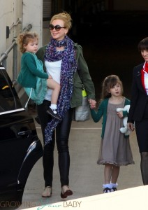Nicole Kidman arrives in Sydney with daughter Faith and Sunday